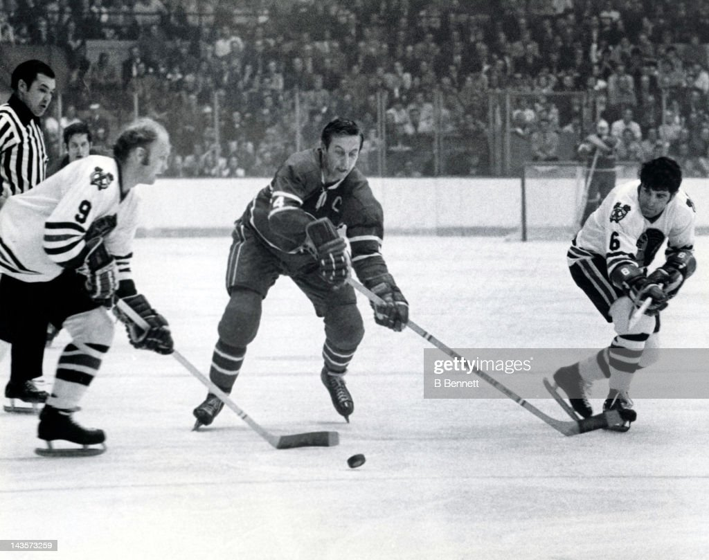 1965 Stanley Cup Finals - Game 7:  Chicago Blackhawks v Montreal Canadiens : News Photo