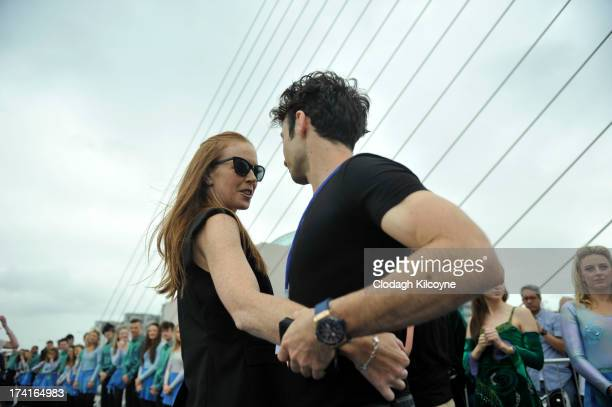 Jean Butler and Padraic Moyles lead Irish dancers to break the World Record for the number of dancers in a continuous line with a total of 1693...