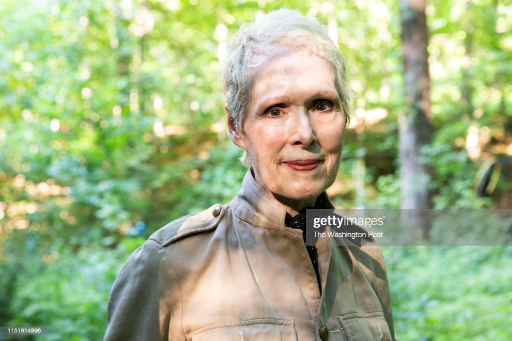 WARWICK, NEW YORK - JUNE 21,2019: E. Jean Carroll at her home i : News Photo