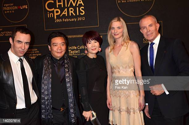 PARIS FRANCE FEBRUARY Jean Claude Jitrois marketing director William Tao and Mrs Chen from COPAIS Sarah Marshall and Jean Claude Jitrois attend the...