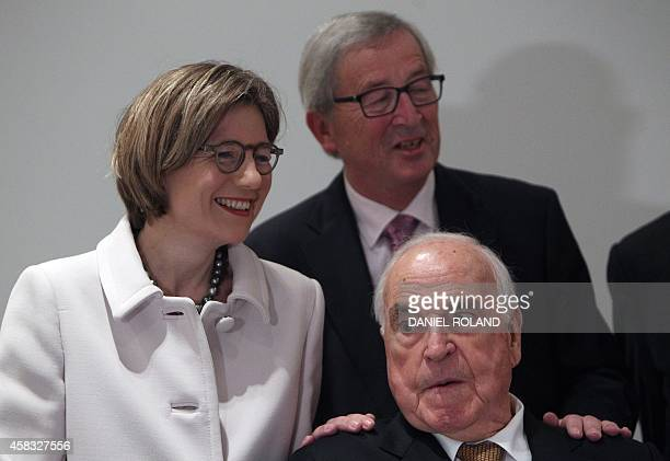 Jean Claude Juncker, President of the European Commission, former German Chancellor Helmut Kohl and his wife Maike Kohl-Richter pose for...