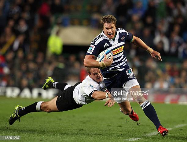 Jean de Villiers of the Stormers in action during the Vodacom Super Rugby match between DHL Stormers and Sharks from DHL Newlands Stadium on April 30...