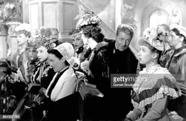 Jean Gabin and Danielle Darrieux on the set of Le Plaisir directed by Max Ophuls