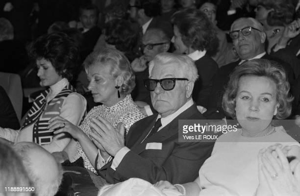 Jean Gabin et sa femme Dominique Fournier à la 1ère du film 'Tristina' à Paris le 28 avril 1970, France.
