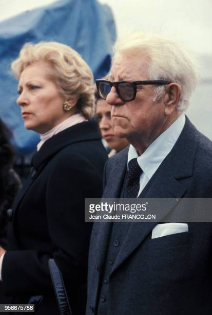 Jean Gabin et son épouse Dominique en octobre 1975 en France.
