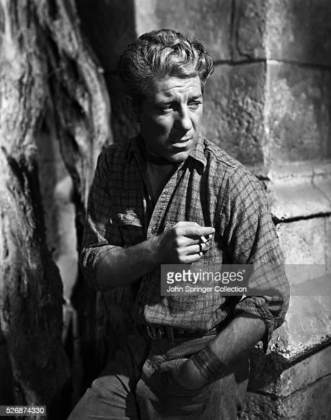 Jean Gabin plays Bobo in the 1942 film Moontide.