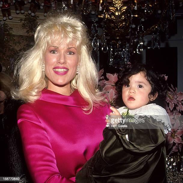 Jean Kasem and daughter Liberty Kasem attend Casey Kasem's Christmas Parade on December 21 1991 at Casey Kasem's home in Bel Air California