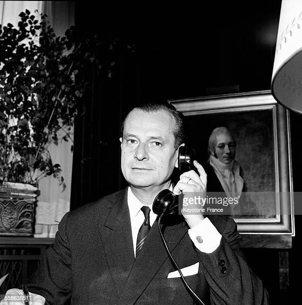 Jean Lecanuet candidat à l'élection présidentielle à son bureau d'adjoint au maire à Rouen France le 25 octobre 1965