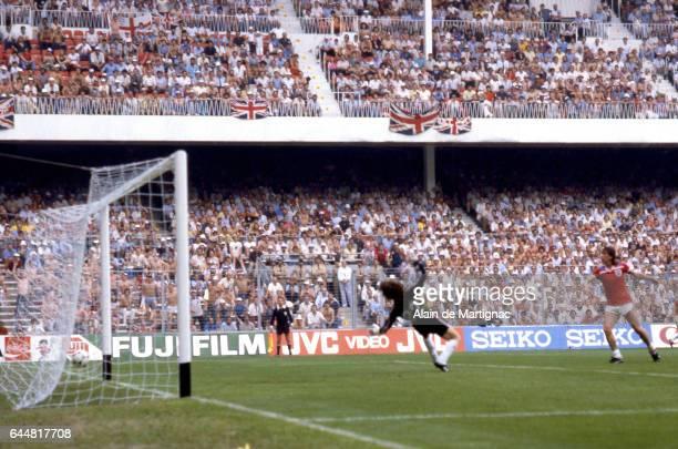 Jean Luc ETTORI / Goal Bryan Robson Angleterre / France Coupe du Monde 1982 Photo Alain de Martignac / Icon Sport
