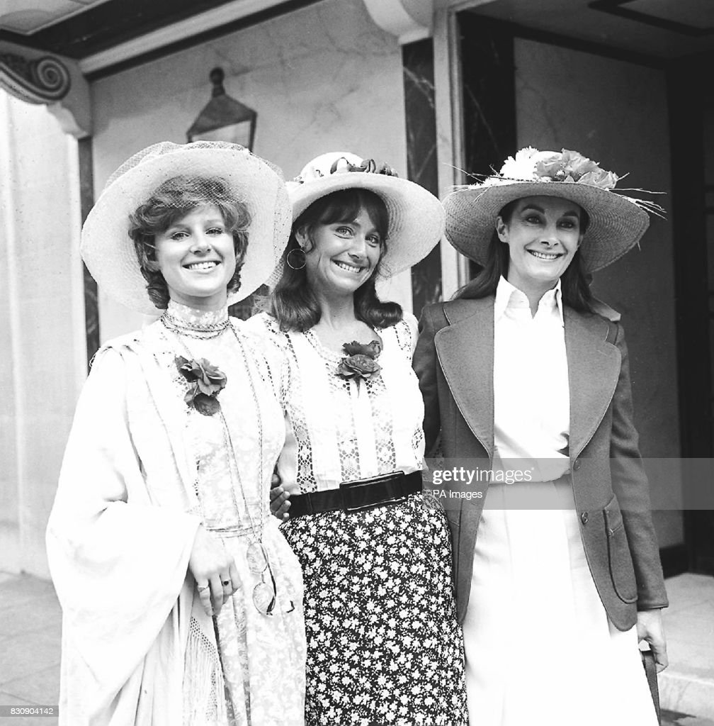 Jean Marsh Right Who Plays The Part Of A Servant In Upstairs Downstairs