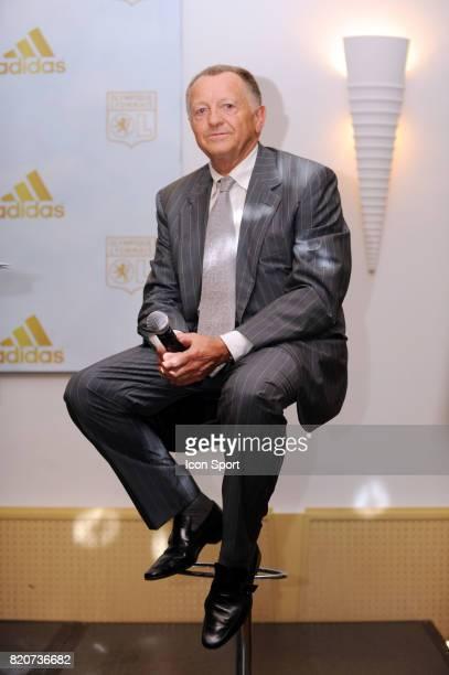 Jean Michel AULAS Presentation du nouveau maillot de Lyon Lyon