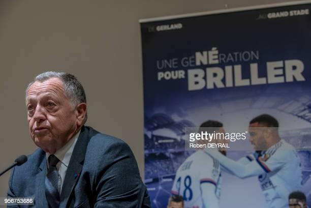 Jean Michel Aulas président du club de football l'Olympique Lyonnais lors de la première conférence de presse dans le nouveau stade de l'équipe...