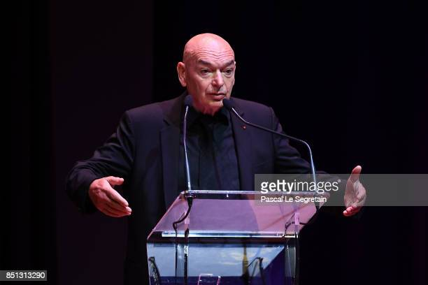 Jean Nouvel Architect of Louvre Abu Dhabi delivers a speech during the press presentation of 'Louvre Abu Dhabi' at Musee du Louvre on September 22...