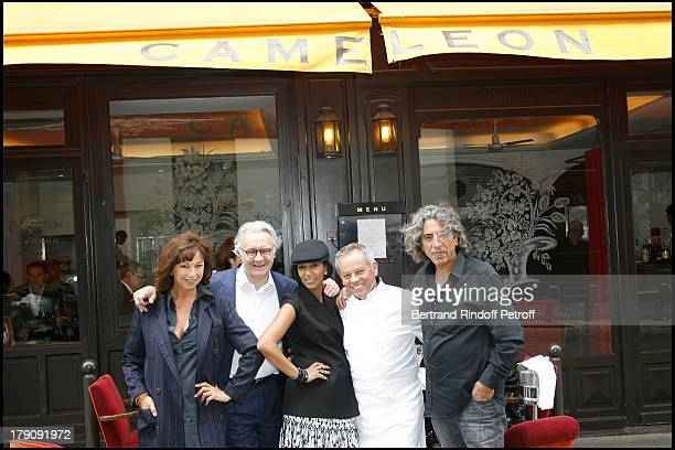 Jean Paul Arabian companion Julie Arnold Alain Ducasse Wolfgang Puck and his wife Gelila at Wolfgang Puck Celebrates His 60th Birthday In Paris
