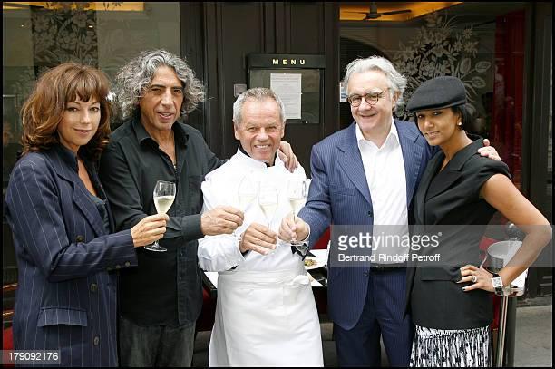 Jean Paul Arabian companion Julie Arnold Wolfgang Puck Alain Ducasse and Gilela Puck at Wolfgang Puck Celebrates His 60th Birthday In Paris