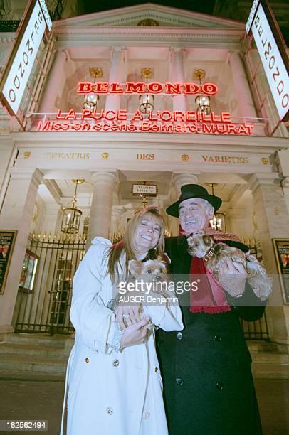 Jean Paul Belmondo At The Theater Of Varieties Paris 11 octobre 1996 Portrait en extérieur de JeanPaul BELMONDO devant le Théâtre des Variétés vêtu...