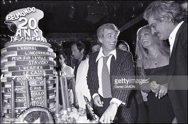 Jean Paul Belmondo celebrated his 20 years of cinema in Paris France on September 30 1977 In Elysee Matignon with Dalida and Omar Sharif