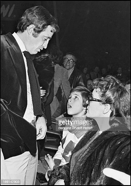 Jean Paul Belmondo his companion Laura Antonelli and Belmondo's son Paul attend a Carlos Monzon fight
