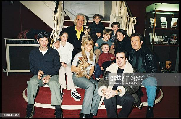 Jean Paul Belmondo with his family, Paul, Natty, Olivier Belmondo, Florence and her husband and grandchildren Annabelle, Nicolas, Alessandro,...