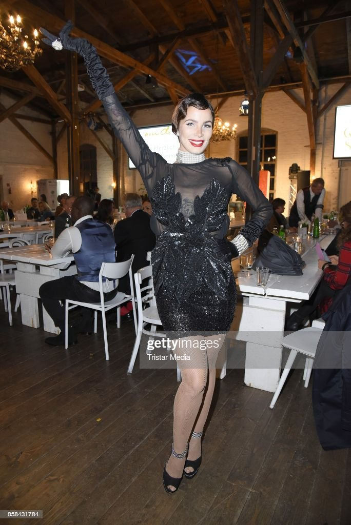 Jean Pearl attends the 'CMS Gamblers Night - Western Style' of Christoph Metzelder Foundation on October 6, 2017 in Berlin, Germany.