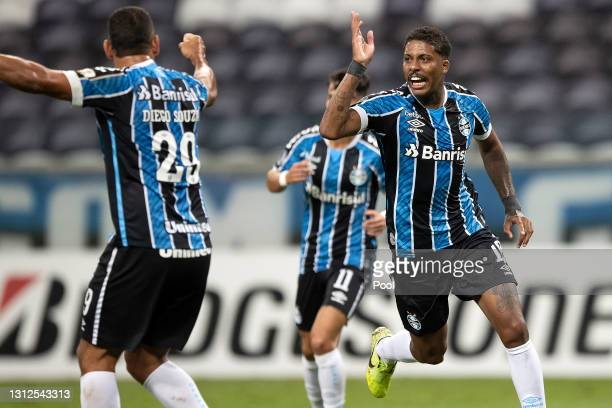 Jean Pyerre of Gremio celebrates after scoring the first goal of his team during a third round second leg match between Gremio and Independiente del...