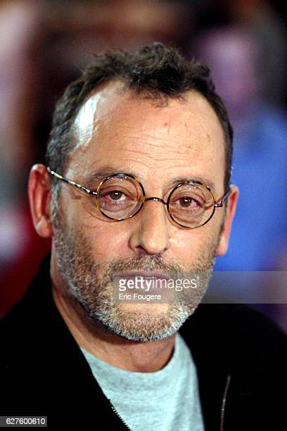 Jean Reno invited for the release of the movie 'Jet Lag' on the set of the TV show 'Vivement Dimanche'