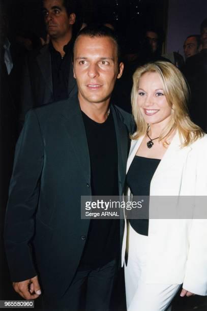Jean Roch et Laure Sinclair en soirée au VIP Room le 14 décembre 1999 à Paris France