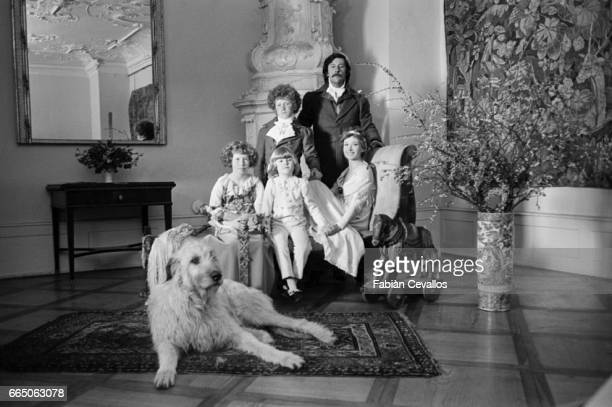 Jean Rochefort and Marlene Jobert have their portrait taken with their onscreen children for the 1979 French film Grandison The film by German...