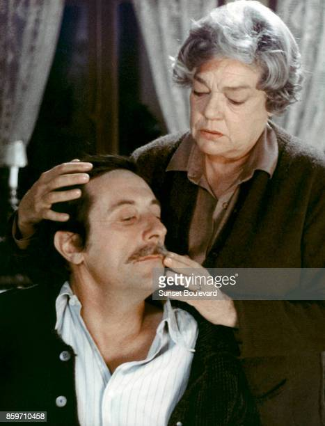 Jean Rochefort and Simone Signoret on the set of Chere Inconnue directed by Moshe Mizrahi