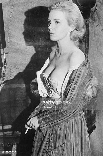 Jean SEBERG *19381979 Actress USA in the movie 'Paint your Wagon' 1969