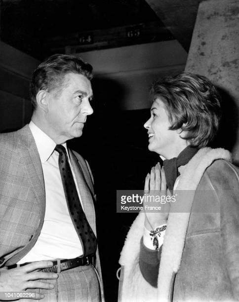 Jean Servais et Dawn Addams photographiés aux studios Billancourt à Paris France en 1961