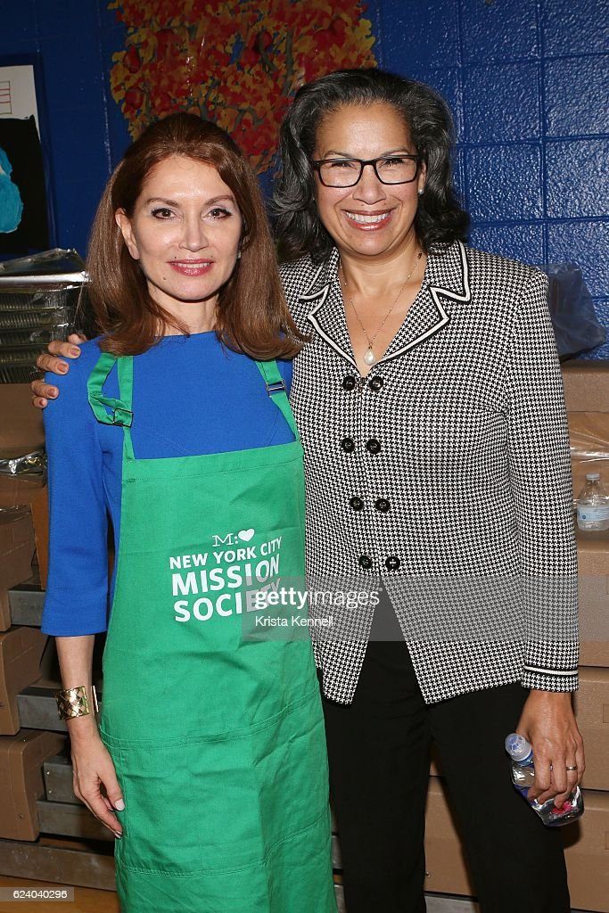 Jean Shafiroff and Elsie McCabe Thompson attend the Jean Shafiroff & Jay Moorhead Underwrite Annual Community Thanksgiving Dinner at NYC Mission Society at Minisink Townhouse on November 17, 2016 in New York City.
