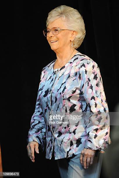 Jean Shepard HOF Inductee gives thanks for her honor at The CMA Announcement of Bobby Braddock Reba McEntire and Jean Shepard as newest members of...