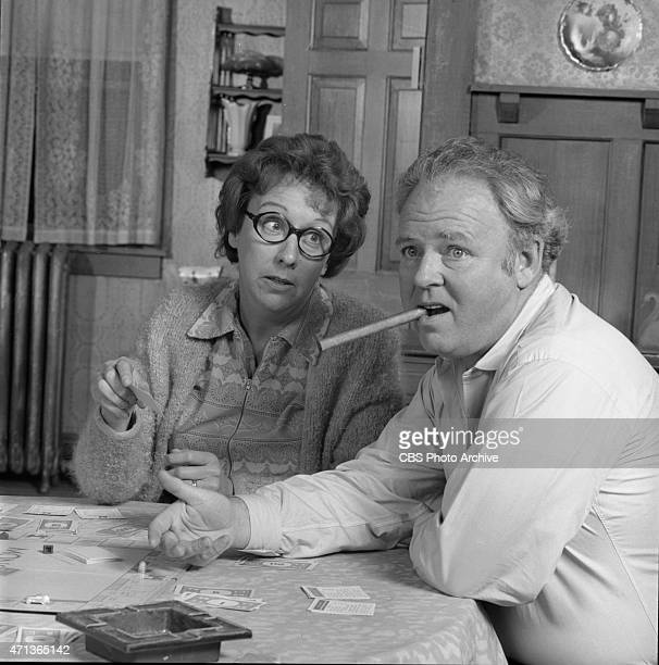 """Jean Stapleton as Edith Bunker and Carroll O'Connor as Archie Bunker in """"All In The Family."""" Image dated October 26, 1971."""