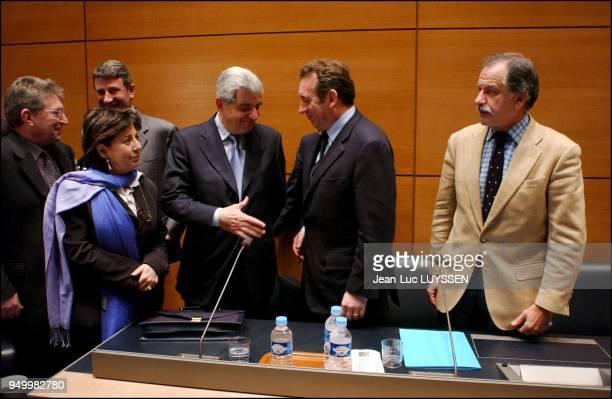 Jean StJosse Philippe de Villiers Corinne Lepage JeanPierre Chevenement Francois Bayrou Noel Mamere