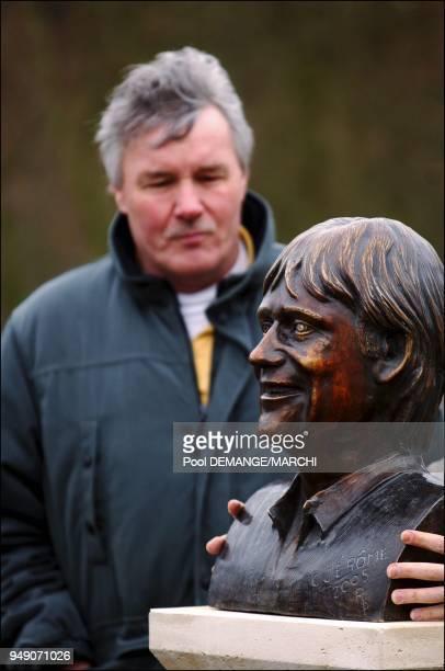 Jean Thiebaut lors de la pose du buste de C Jerome au Zenith de Nancy Jean Thiebaut lors de la pose du buste de C Jerome au Zenith de Nancy