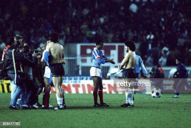 Jean Tigana of France and Diego Maradona of Argentina during the Friendly match between France and Argentina at Parc des Princes on 26 April 1986 in...