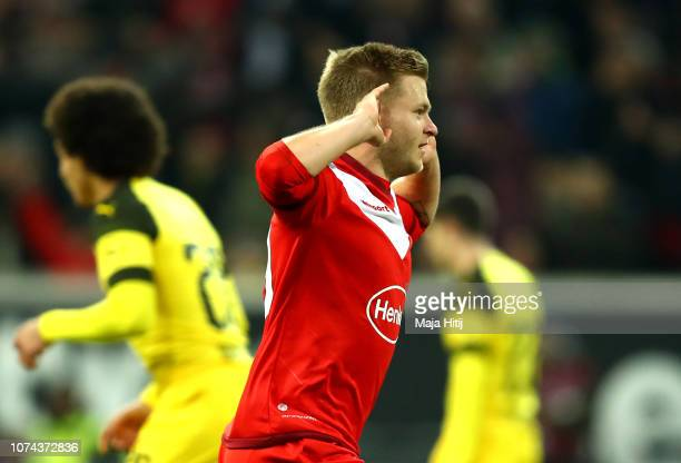 Jean Zimmer of Fortuna Duesseldorf celebrates after scoring his team's second goal during the Bundesliga match between Fortuna Duesseldorf and...