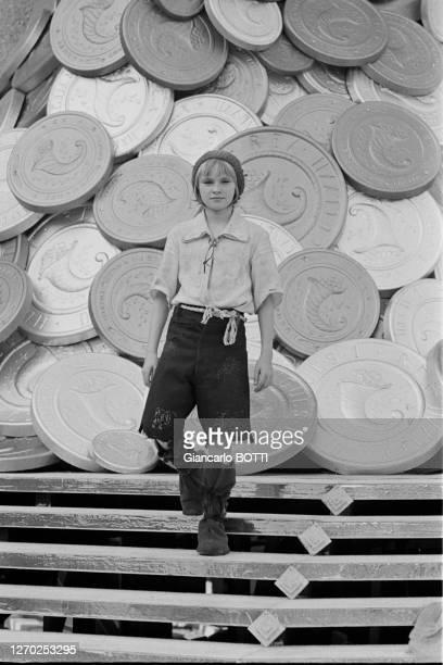 Jean-Christophe Maillot sur le tournage du film 'Le petit poucet' réalisé par Michel Boisrond en 1972, France