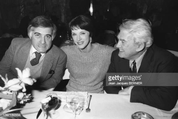Jean-Claude Brialy, Anny Duperey et Jean Marais à la remise du prix 'Beatric Dussane' à Paris, France en janvier 1985.