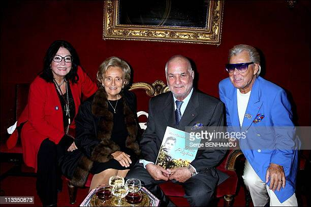 JeanClaude Brialy Presents His New Book 'Mon Algerie' On October 23Rd 2006 In Paris France Here Nana Mouskouri Bernadette Chirac JeanClaude Brialy...
