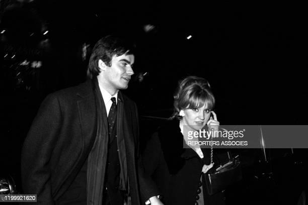 JeanClaude Drouot et sa femme Claire lors de la première du film 'Le Bonheur' à Paris le 23 février 1965 France