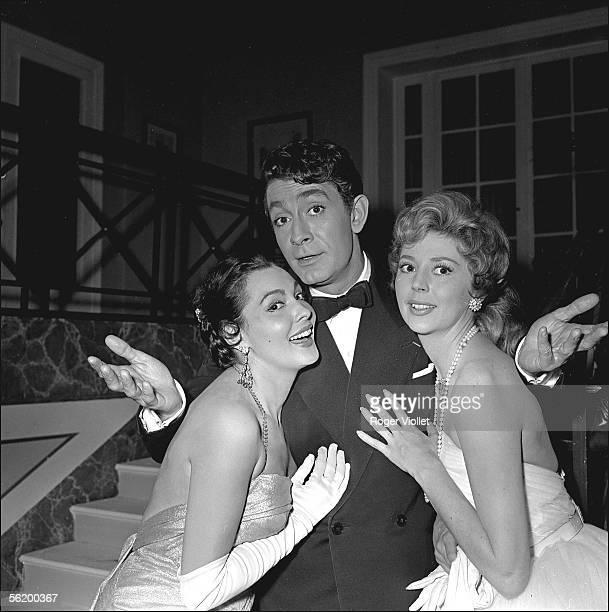 JeanClaude Pascal Anne Vernon and Paquita Rico during the shooting of the film 'Les Lavandieres du Portugal' by Pierre GaspardHuit FranceSpain 1957
