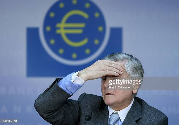 JeanClaude Trichet President of the European Central Bank speaks during the monthly news conference on January 15 2009 in Frankfurt Germany The ECB...