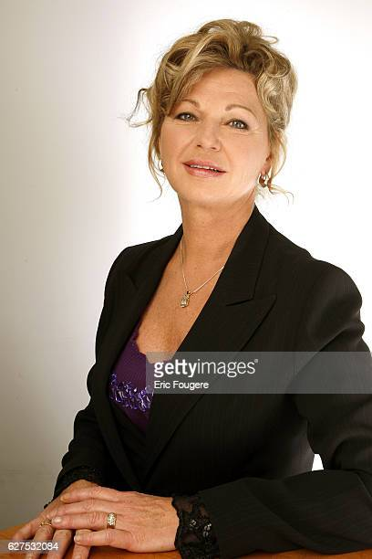 Jeane Manson on the set of TV show 'Les Grands du Rire'