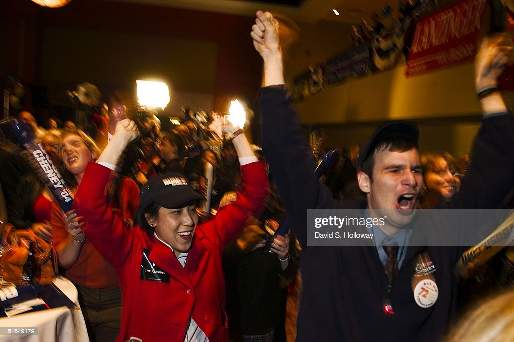 Supporters Cheer At Election Night Republican Rally In Ohio : News Photo