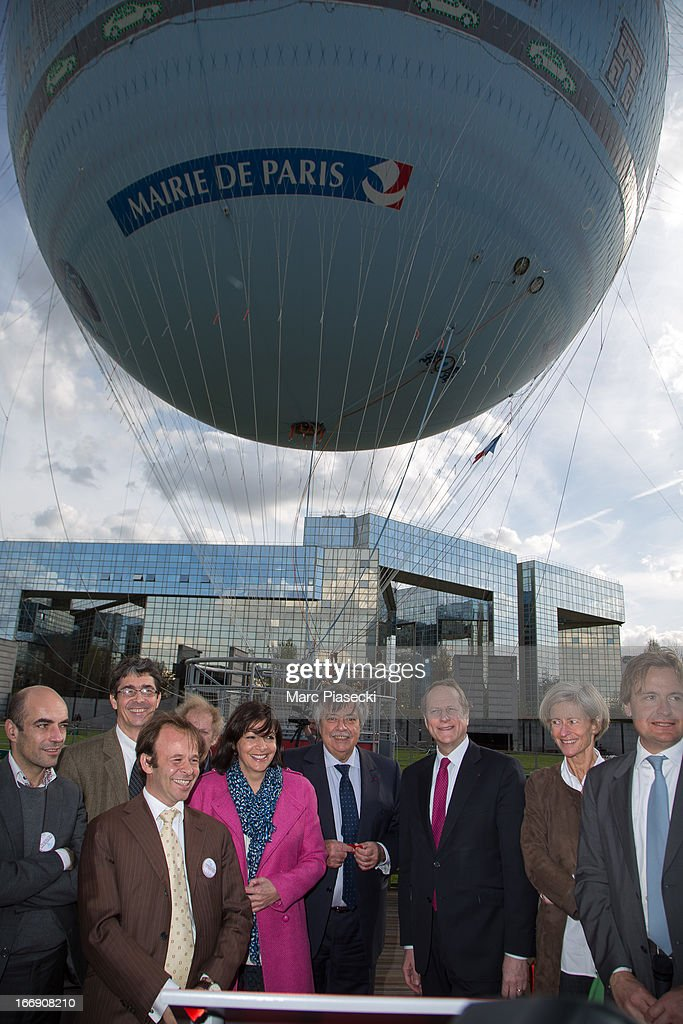 Jean-Felix Bernard, Anne Hidalgo, Matthieu Gobbi, Claude Tendil and Jerome Giacomoni attend the launch of the new Paris Observatory Atmospheric Generali balloon, at Parc Andre Citroen on April 18, 2013 in Paris, France. The balloon will monitor air pollution which it will then display via a LED light device.