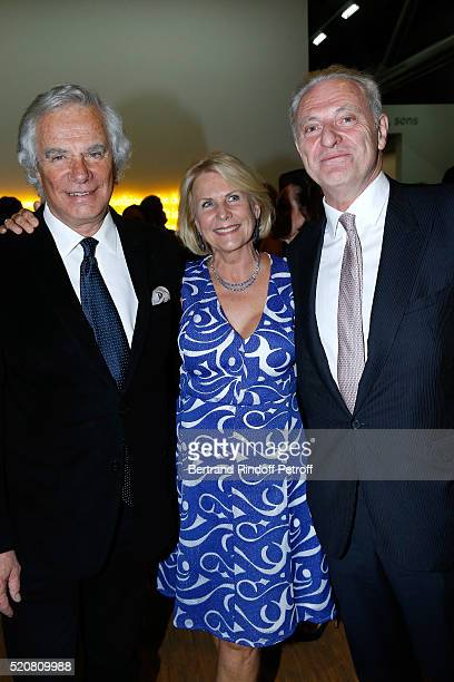 JeanGabriel Mitterrand Alain Flammarion and his wife Suzanna attend the Societe des Amis du Musee d'Art Moderne du Centre Pompidou Dinner Party Held...