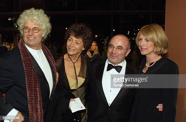 JeanJacques Annaud and his wife attend the screening of his film 'Enemy at the Gates' Bob Hoskins also attends with his wife