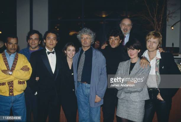 Jean-Jacques Annaud with Berri, Bruel, Renaud, Charasse Family, Jane March, Miou Miou, the Unknowns and Malavoy.
